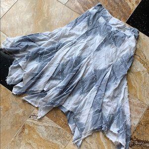 Chicos handkerchief hem elastic waist/slate &white